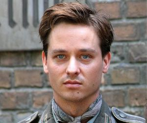 actor, german, and tom schilling image