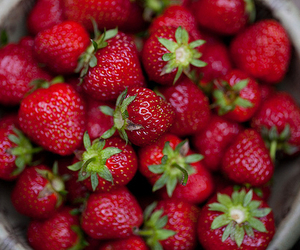 strawberry and food image