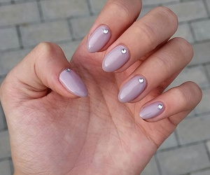 grey, nails, and short nails image