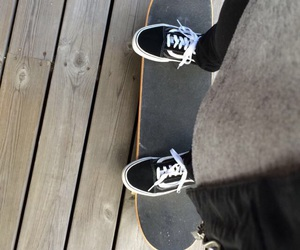 skateboard, vans, and vansoffthewall image