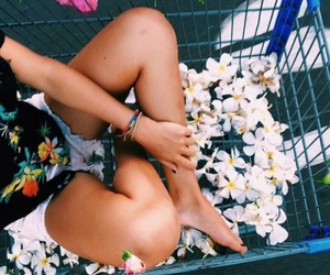daisy, flower power, and girl image