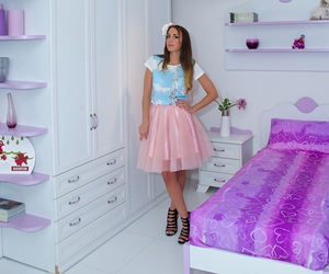 girly, purple room, and pink tulle skirt image