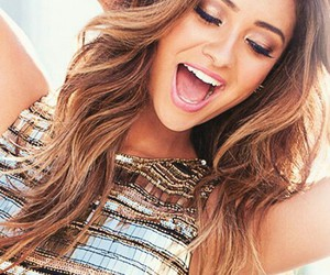 hair, pretty little liars, and shay mitchell image