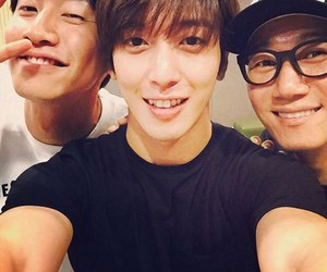 yonghwa, cnblue, and k-pop image