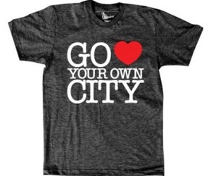 city, t-shirt, and photograf image