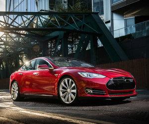 engines, saloon, and Tesla image