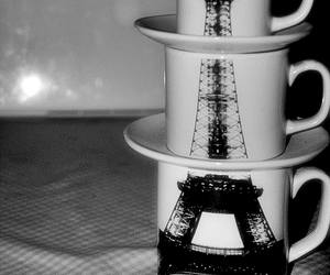 black and white, blanco y negro, and eiffel tower image