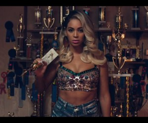 beyoncé, pretty hurts, and queen b image