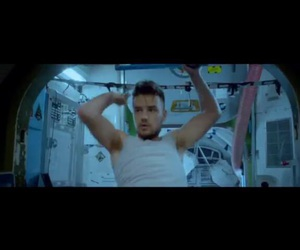 liam, one direction, and dragmedownvideo image