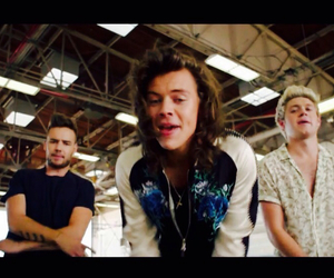 music video, drag me down, and one direction image