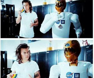 Harry Styles, drag me down, and one direction image