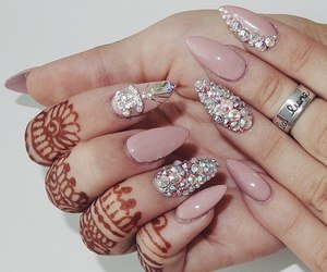 nails and henna image