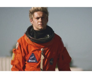 niall horan, drag me down, and one direction image