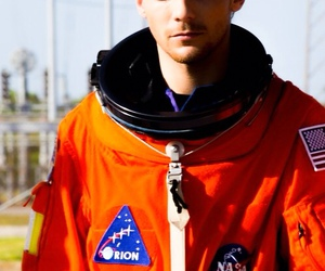 louis tomlinson, one direction, and drag me down image