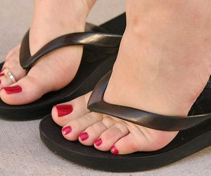 feet red nails image