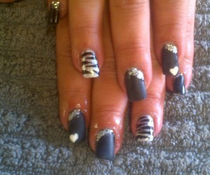 animal print, black nails, and nailart image