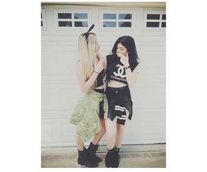 kylie jenner, friends, and blonde image