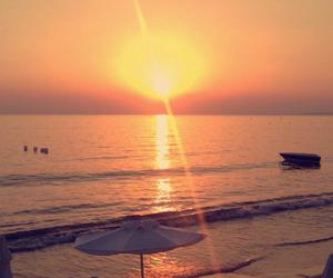 boat, inspo, and sun image