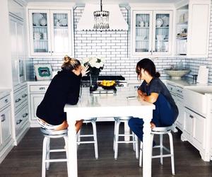 friends, kitchen, and best friends image