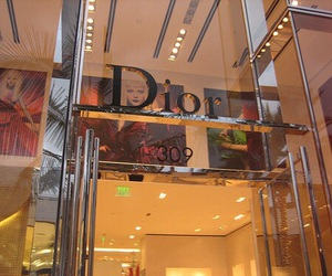 dior and store image