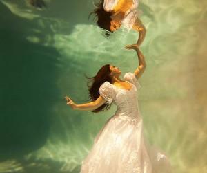 photography, wedding, and underwater image