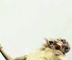 indie and Taylor Swift image