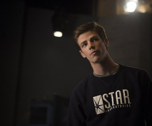 the flash, grant gustin, and barry allen image