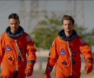 1d, one direction, and space suit image