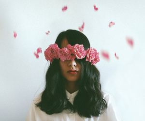 flowers, hipster, and pale image