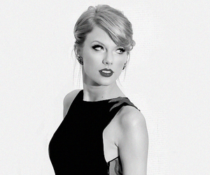 Taylor Swift, black and white, and singer image