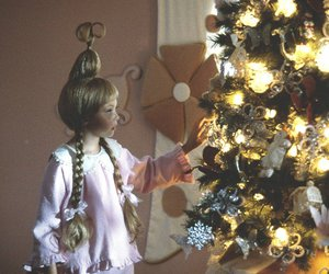 child, christmas tree, and grinch image
