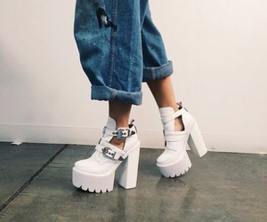 chunky boots, chunky heels, and grunge image
