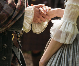 couple and outlander image