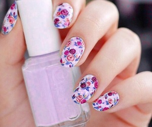 nails, flowers, and essie image