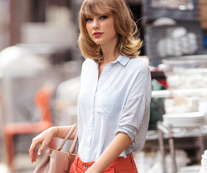 Taylor Swift, 1989, and outfit image