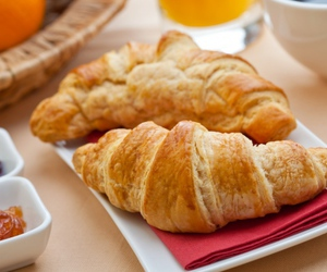 croissant and delicious image