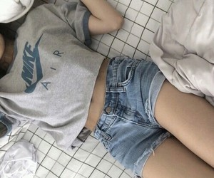 nike, girl, and grunge image