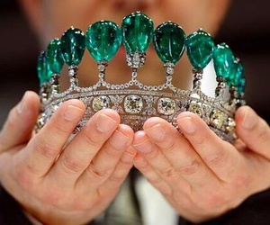 emerald, crown, and jewelry image