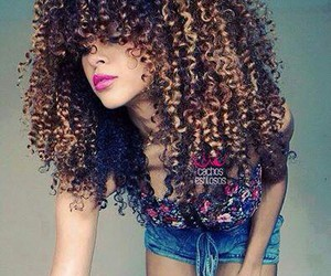 curly hair linda cachos image
