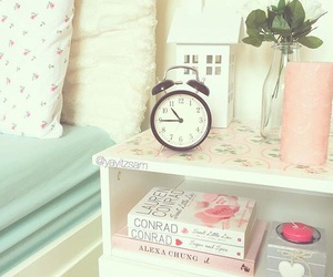 books, floral, and girly image
