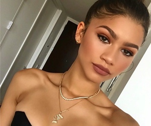 zendaya, makeup, and beauty image