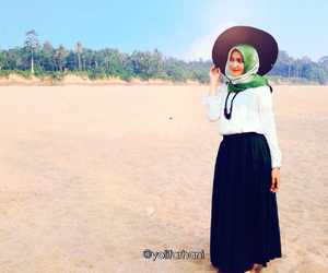 hijabholiday, hijabdaily, and hijabphotography image