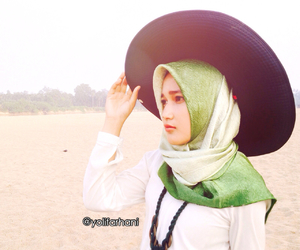 beach, hijabstyle, and hijabphotography image