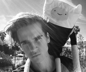 joe sugg, youtube, and adventure time image