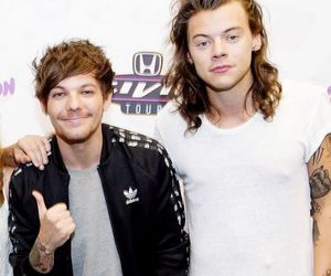 louis tomlinson, larry stylinson, and Harry Styles image