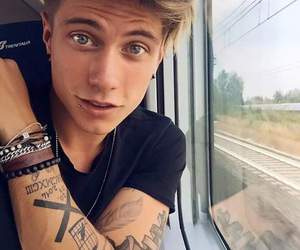 benji e fede, music, and piercing image