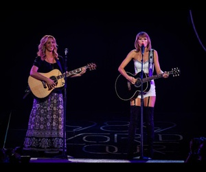 phoebe buffay, Taylor Swift, and smelly cat image