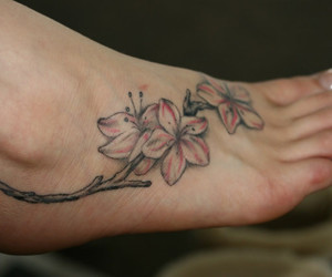 foot and tattoo image