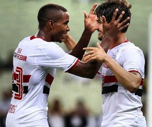 spfc, alexandre pato, and thiago mendes image