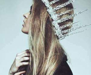 girl, hair, and crown image